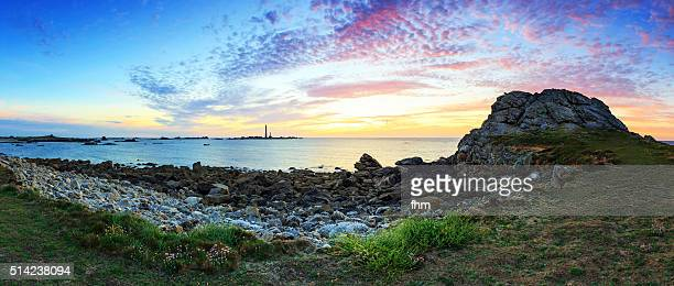 sunset panorama at lighthouse phare de l'île vierge in the finistere, brittany, france - finistere stock photos and pictures