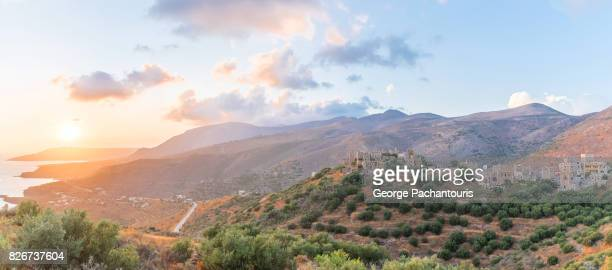 sunset panorama over the south peloponnese, greece - lacônia grécia - fotografias e filmes do acervo