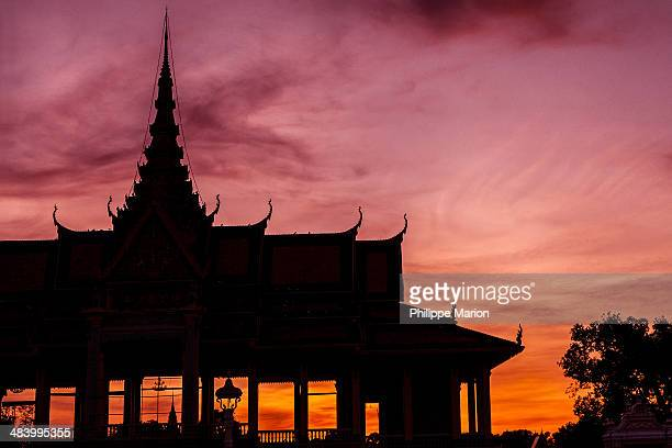 sunset - phnom penh, cambodia - phnom penh stock pictures, royalty-free photos & images