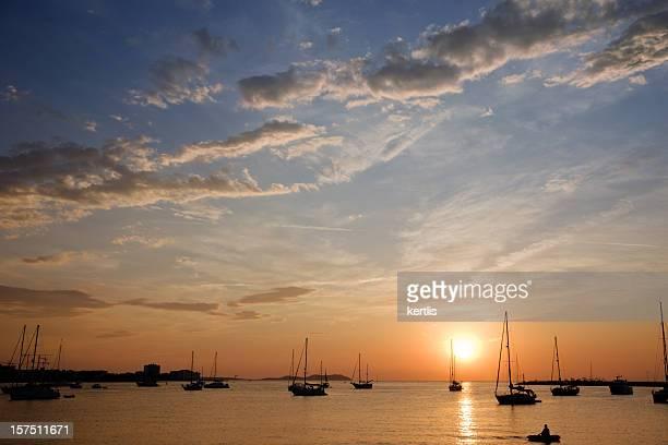 sunset (ibiza - san antonio fotografías e imágenes de stock