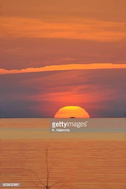sunset - messenia fotografías e imágenes de stock