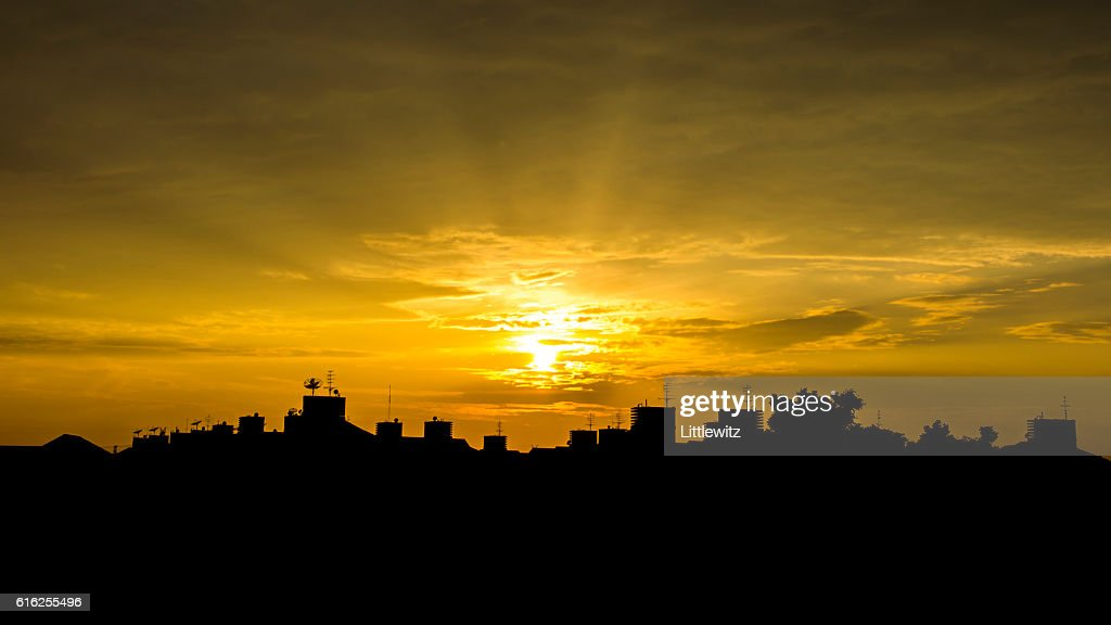 Pôr-do-sol : Foto de stock