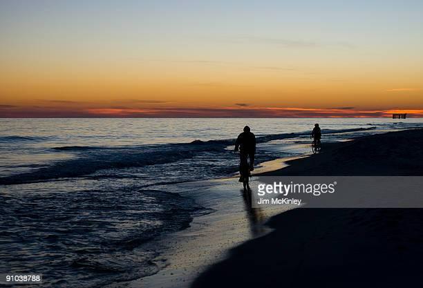 sunset ride - gulf shores - fotografias e filmes do acervo