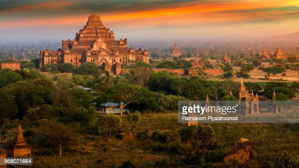 sunset scene of thounsand pagodas in bagan, myanmar - myanmar stock pictures, royalty-free photos & images