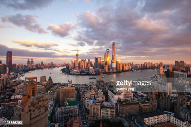 sunset sky full of sunset sunset is beautiful - shanghai - 塔 stock pictures, royalty-free photos & images