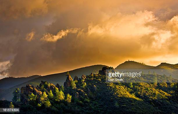 sunset sky pinnacles national park - don smith stock pictures, royalty-free photos & images