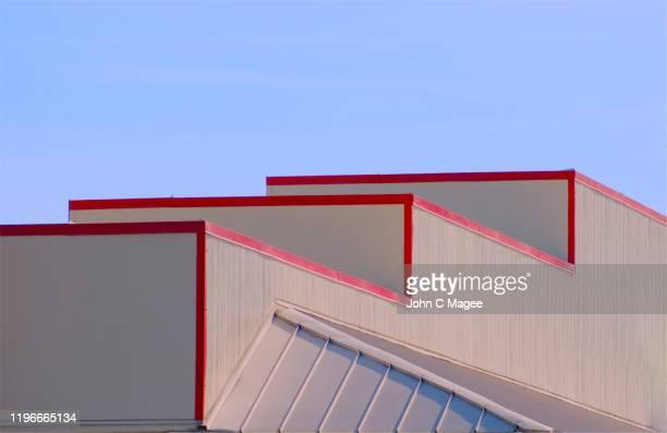 sunset steps - fachada supermercado imagens e fotografias de stock