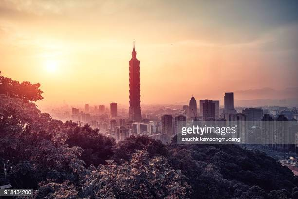 sunset taiwan - taipei stock pictures, royalty-free photos & images