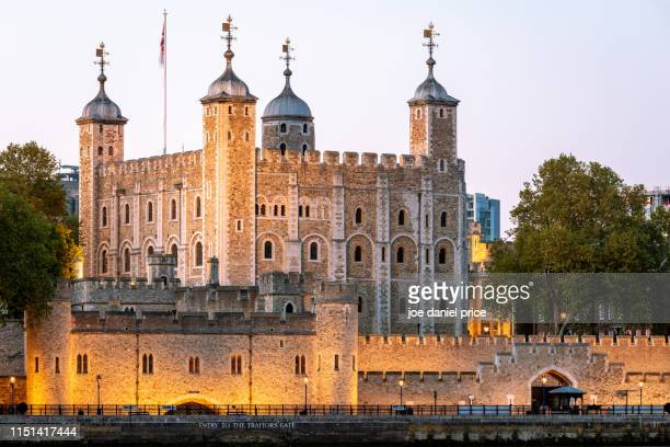 sunset, tower of london, london, england - tower of london stock pictures, royalty-free photos & images