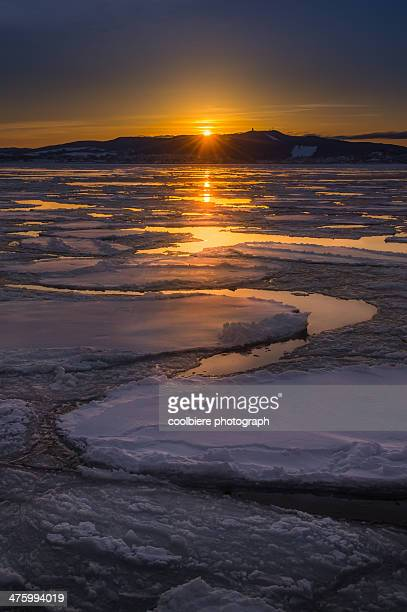 sunset view of okhotsk ice sea - sea of okhotsk stock pictures, royalty-free photos & images