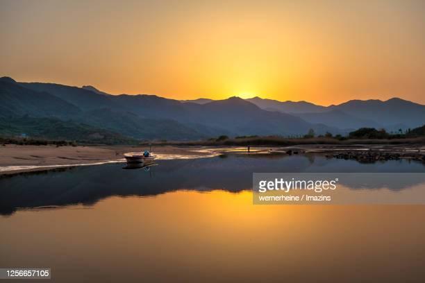 sunset view of seomjingang river, gurye, south korea - corbicula clam stock pictures, royalty-free photos & images