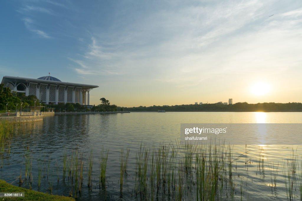"Sunset view over Mosque of Sultan Mizan or ""Iron Mosque"" in Putrajaya, Malaysia : Stock Photo"