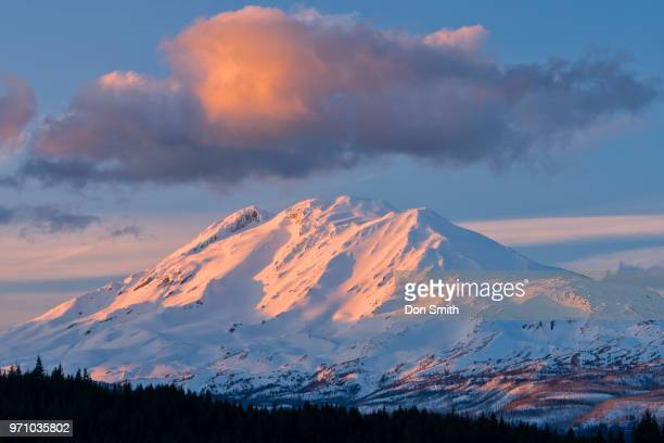 sunset-lit cloud over mt. adams - don smith stock pictures, royalty-free photos & images