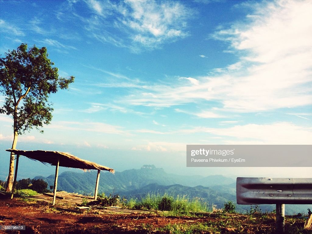 Sunshade On Vintage Point In Mountains : Foto stock