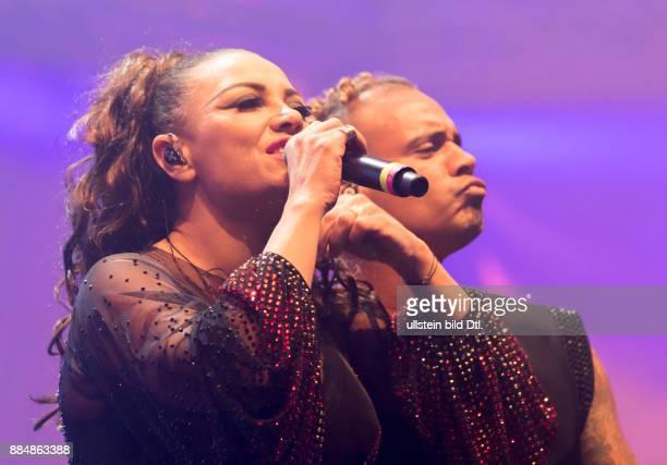Sunshine Live 'Die 90er Live on Stage' 2 Unlimited Live in der Maimarkthalle Mannheim Letzter gemeinsamer Auftritt von Anita Doth und Ray Slijngaard...