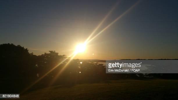 sunshine on the lake - manchester tennessee stock-fotos und bilder