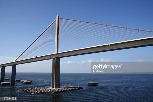 sunshine skyway bridge, tampa bay - sunshine skyway bridge stock photos and pictures
