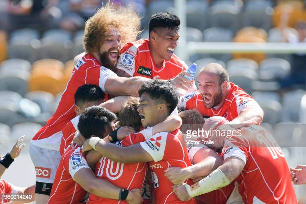 Sunwolves players celebrate Hayden Parker victory's try during the Super Rugby match between Sunwolves and Stormers at Mong Kok Stadium on May 19...