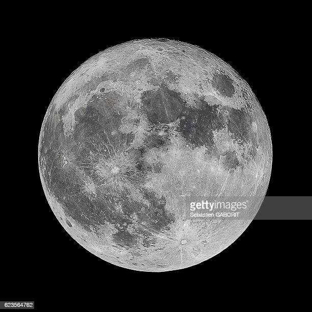 super full moon - moon stock pictures, royalty-free photos & images
