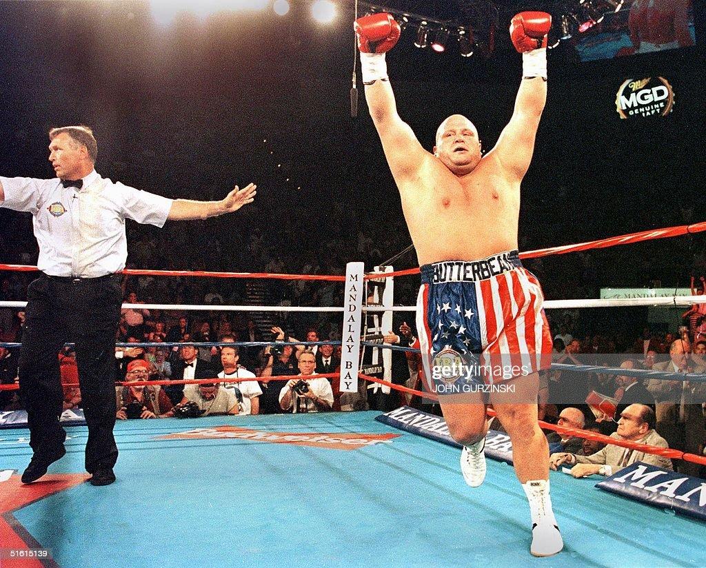 "IBA Super Heavyweight Champion Eric ""Butterbean"" ( : News Photo"