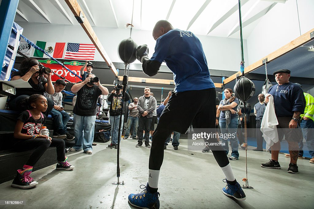 Super Middle Weight Andre Ward holds a media day workout at Warzone Boxing Club to promote his November 16 fight with Edwin Rodriguez on November 12, 2013 in Rancho Cucamonga, California.