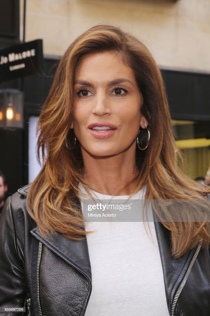Celebrity Sightings : Paris Fashion Week Womenswear Spring/Summer 2018 : Day Five