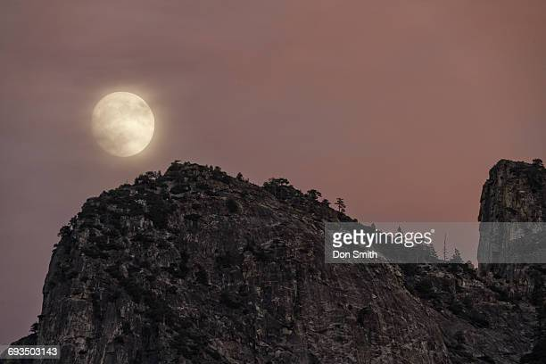 super moon over cathedral rocks - don smith stock pictures, royalty-free photos & images