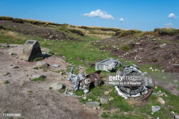 b-29 superfortress 'overexposed' wreckage on bleaklow, derbyshire, england - memorial plaque stock pictures, royalty-free photos & images