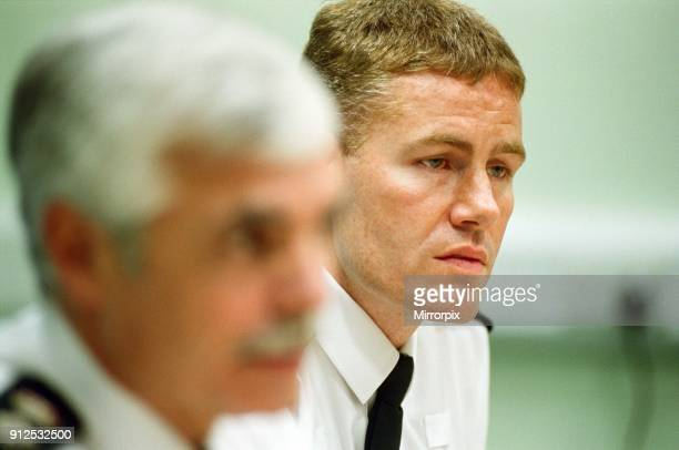 Superintendent Bob Minshhull and Superintendent Andy Nicholson at the press conference regarding the Potters Green murders 13th October 2000