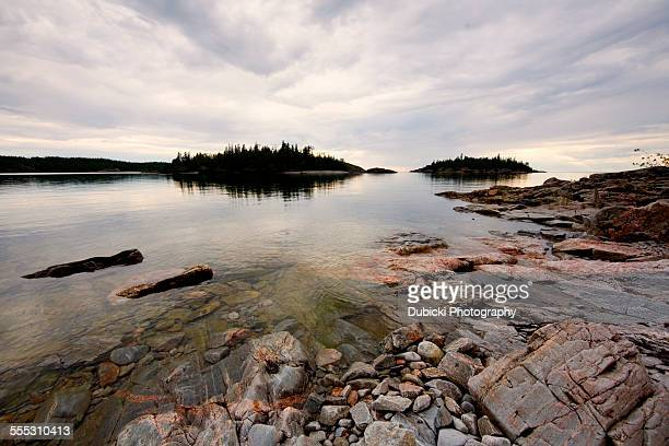 superior coastal islands - lake superior provincial park stock pictures, royalty-free photos & images