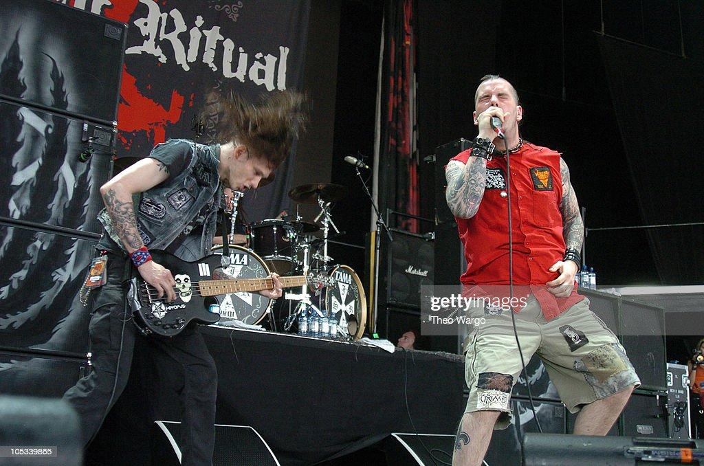 Superjoint Ritual during OzzFest 2004 Tour Opener at CTNow Meadows in Hartford, Conneticut, United States.