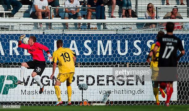 Superliga AC Horsens vs FC Midtjylland Keeper Frederik Rønnow ACH AC Horsens © Lars Ronbog Frontzonesportdk