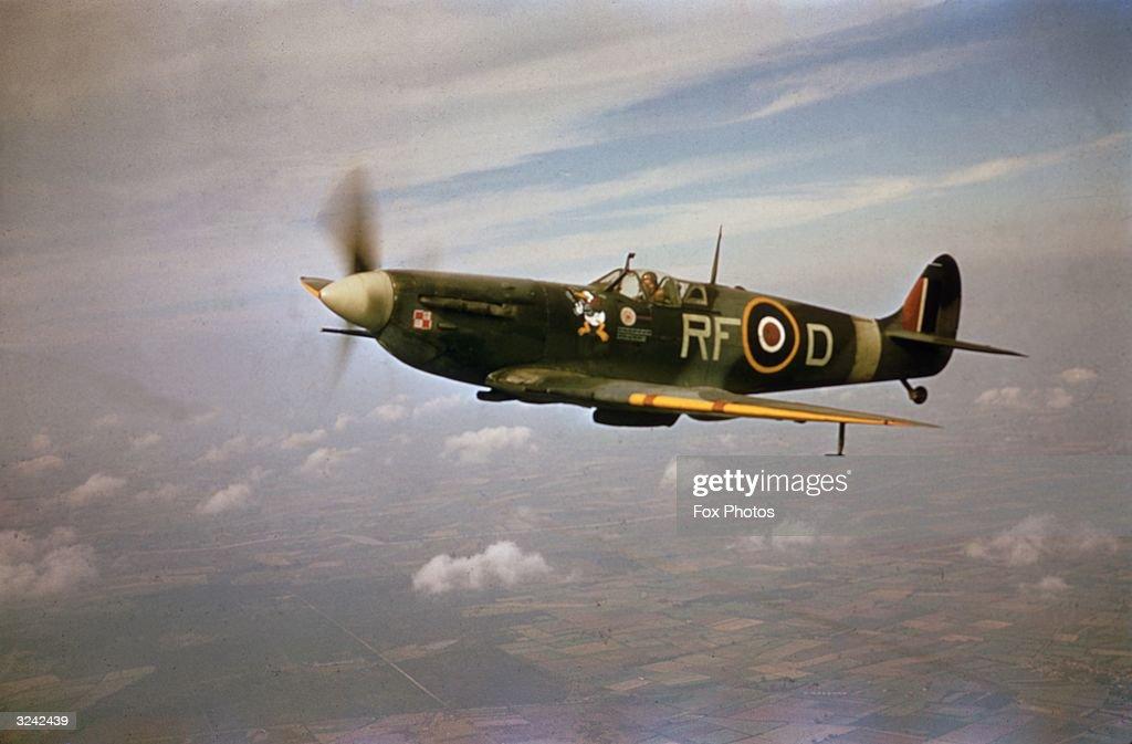 A Supermarine Spitfire Mk.Vb, RF-D, flown by pilot Jan Zumbach (1915 - 1986) of the 303 Kosciuszko Polish Fighter Squadron of the Royal Air Force (RAF), World War II, circa 1943. The aircraft bears Zumbach's distinctive Donald Duck symbol.