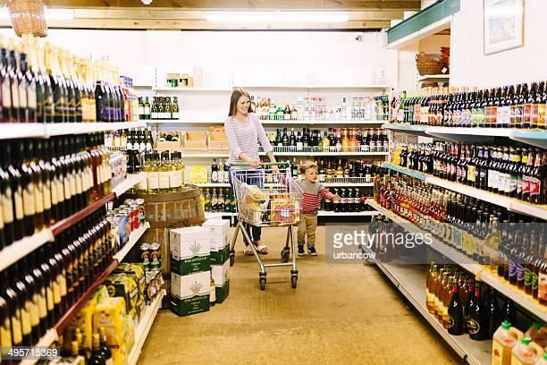 スーパーマーケット、ビールとワイン