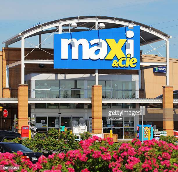 MAXI Supermarket Entrance