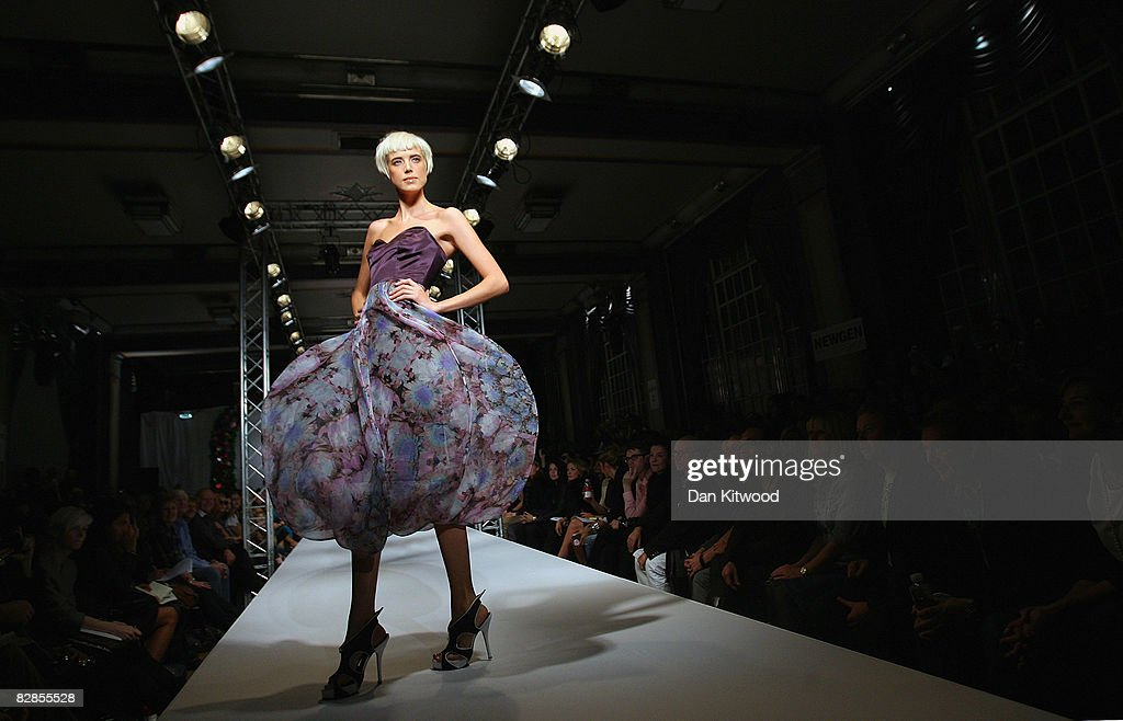 Supermodel Agyness Deyn walks down the catwalk during the House Of Holland LFW Spring Summer 2009 show at London Fashion Week 2008 on September 16, 2008 in London, England.