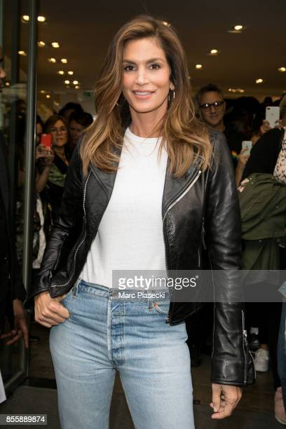Supermodel Cindy Crawford arrives at the 'COLETTE' concept store on September 30 2017 in Paris France