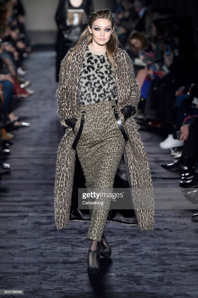 Max Mara - Runway RTW - Fall 2018 - Milan Fashion Week