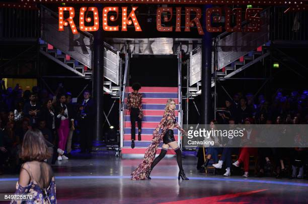 Supermodel Gigi Hadid walks the runway at the TOMMYNOW by Tommy Hilfiger Fall Winter 2017 fashion show during London Fashion Week on September 19...