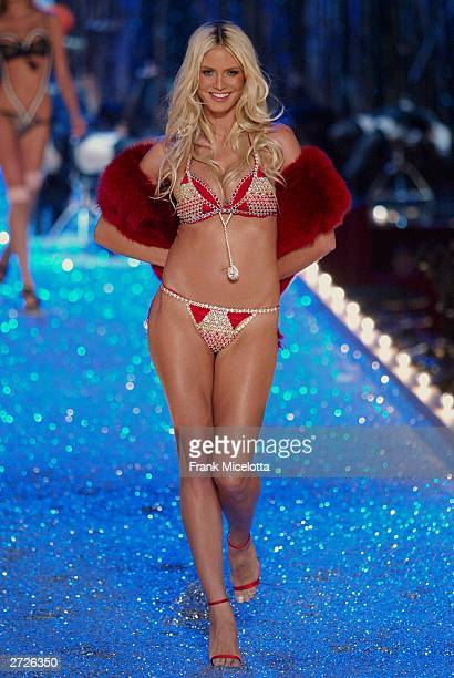 Supermodel Heidi Klum photographed during the Victoria's Secret Fashion Show at the 69th Regiment Armory November 13 2003 in New York City The...