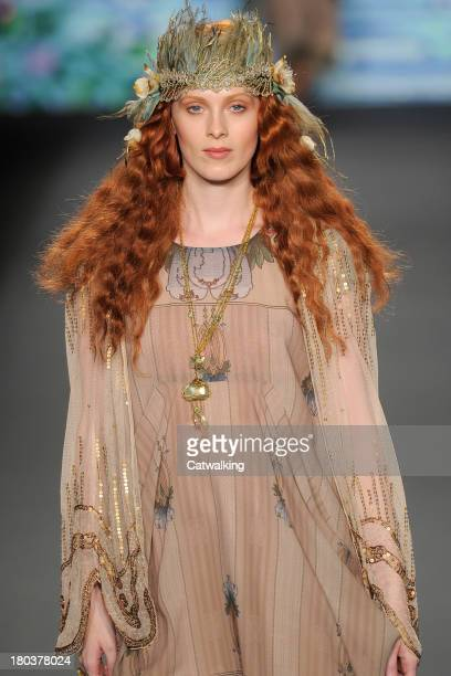 Supermodel Karen Elson walks the runway at the Anna Sui Spring Summer 2014 fashion show during New York Fashion Week on September 11, 2013 in New...