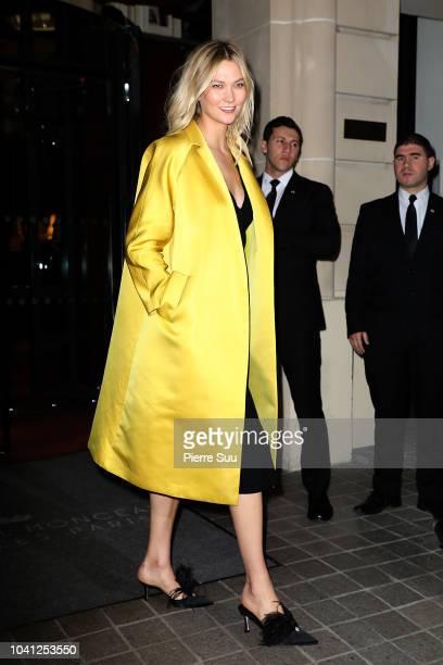 Supermodel Karlie Kloss leaves her hotel on September 26 2018 in Paris France