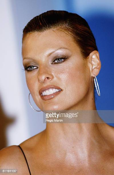 Supermodel Linda Evangelista looks pleased just after the fashion parade at the David Jones store, on August 19, 2004 in Melbourne, Australia.