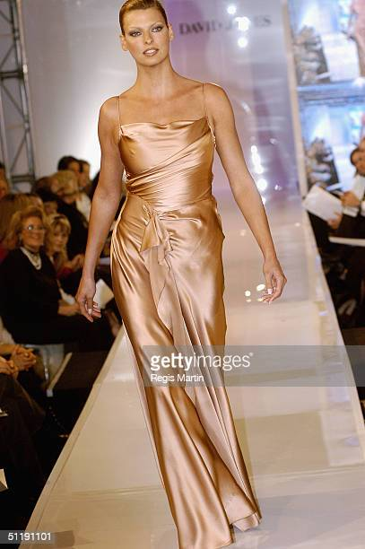 Supermodel Linda Evangelista parades an outfit by Collette Dinnigany at the David Jones store on August 19 2004 in Melbourne Australia