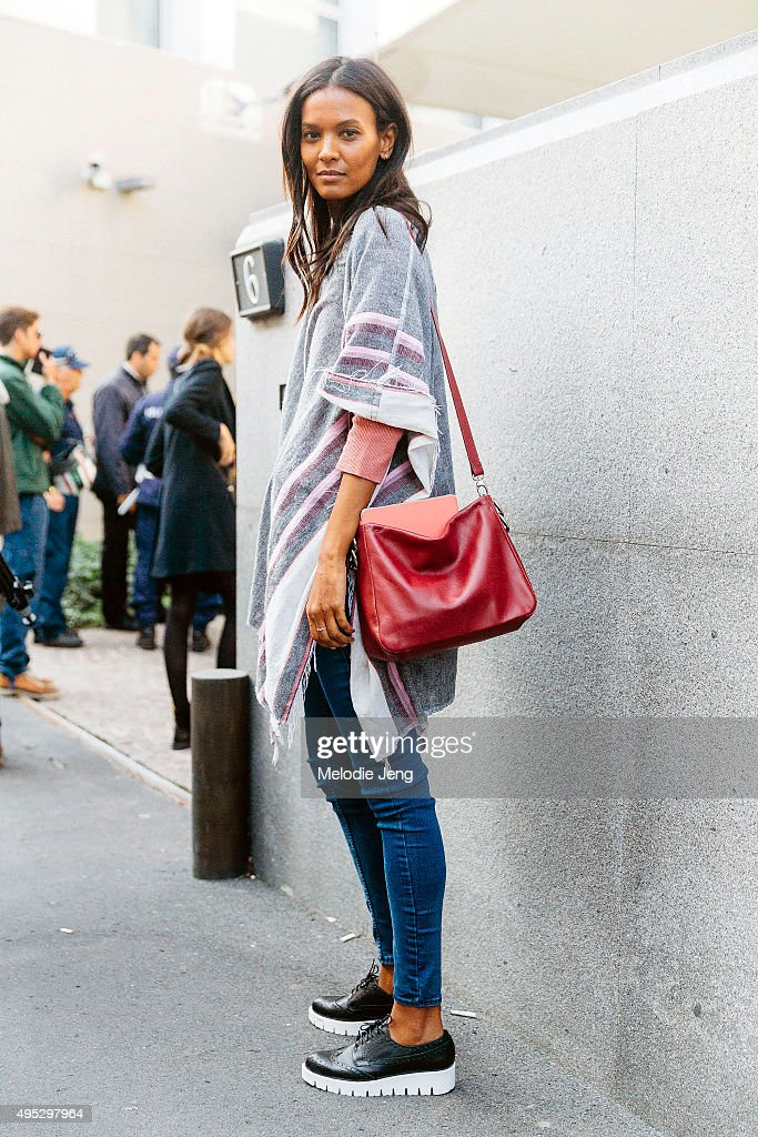 Street Style: Day 4 - Milan Fashion Week SS16 : News Photo
