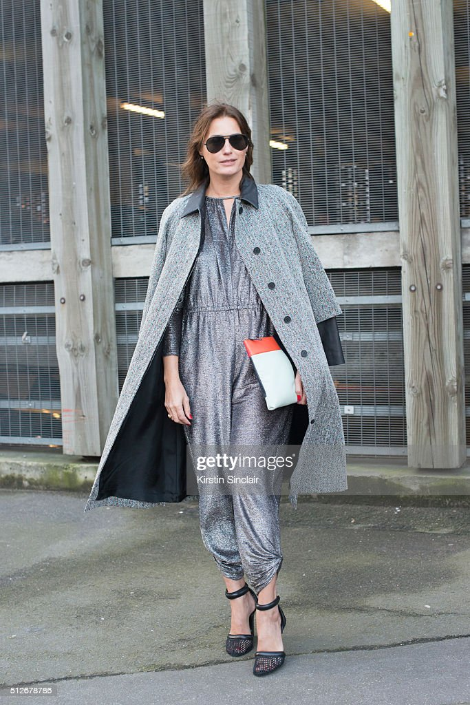 Supermodel Yasmin Le Bon wears Alexander Wang and a Chanel bag on day 4 during London Fashion Week Autumn/Winter 2016/17 on February 22, 2016 in London, England. (Photo by Kirstin Sinclair/Getty Images)Yasmin Le Bon