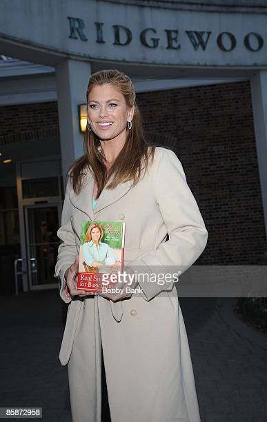 """Supermodel/actress Kathy Ireland promotes """"Real Solutions for Busy Moms"""" at the Ridgewood Public Library on April 8, 2009 in Ridgewood, New Jersey."""