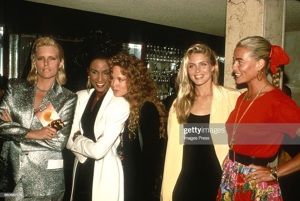 """Supermodels support """"You Can Do Something About AIDS"""" fundraiser : News Photo"""