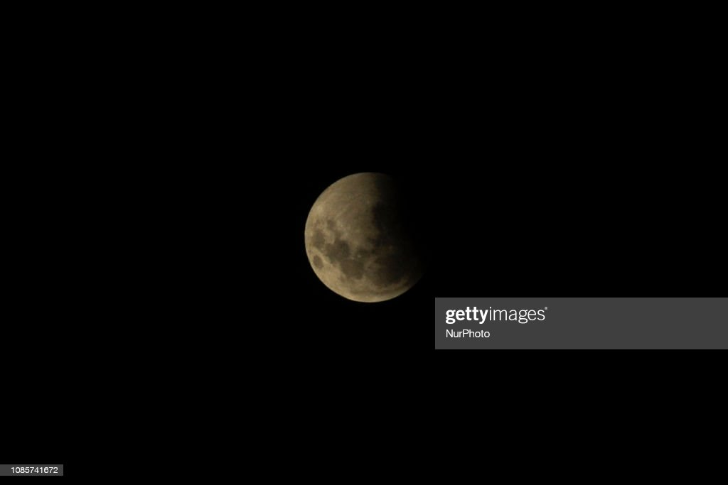 Total Lunar Eclipse Gives January A Blood Moon : News Photo