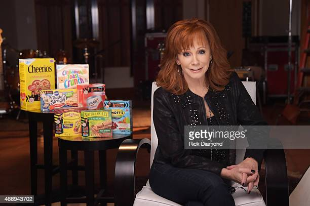 Superstar entertainer Reba shoots a public service announcement for Outnumber Hunger a campaign from General Mills Big Machine Label Group and...